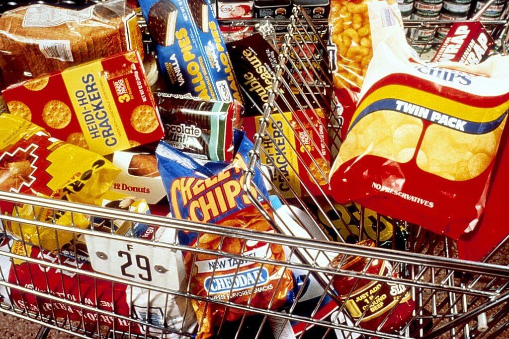 """11 differenze tra i cibi industriali e il cibo """"vero"""""""