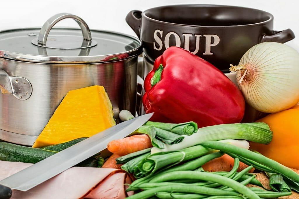 Le verdure è meglio mangiarle crude o cotte?