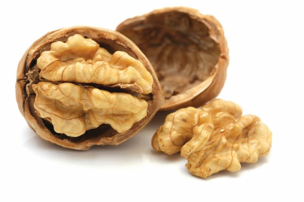 Le noci possono aiutare a dimagrire