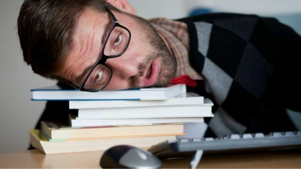 Sonnolenza dopo i pasti – L'abbiocco post pranzo